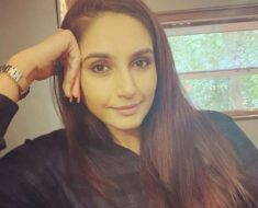 Ragini Dwivedi breaks down during interaction with fans