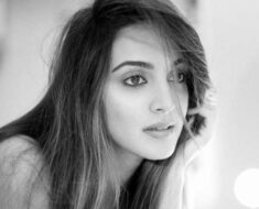 Kiara Advani looks stunning in her monochromatic 'post pack-up' pictures. Seen yet?