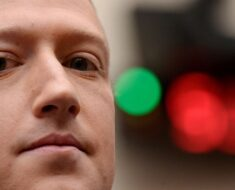 Mark Zuckerberg Downplays Risk of Apple's Privacy Policy Changes, Facebook Rallies