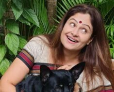 Why did Ayesha Jhulka leave Bollywood after starring in hit films?
